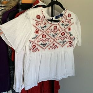 Cute embroidered Top with Flow Sleeves